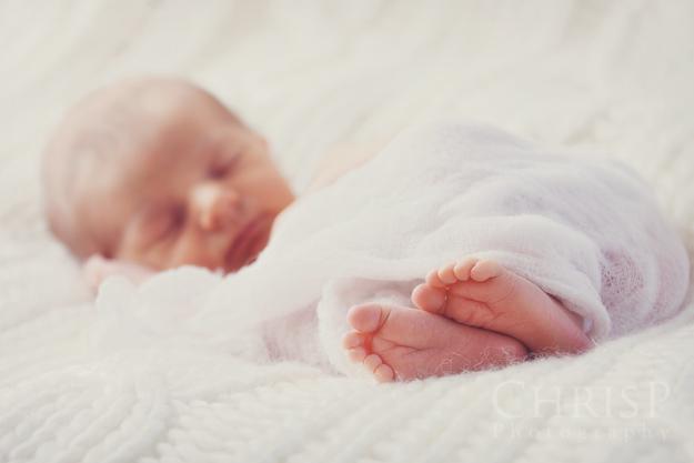 Neugeborenenfoto von Babyfotografin ChrisP Photography
