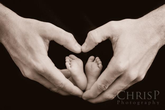 Klassisches Babyfoto in Herzform - Babyfoto von Fotograf Chrisphotography aus Bamberg
