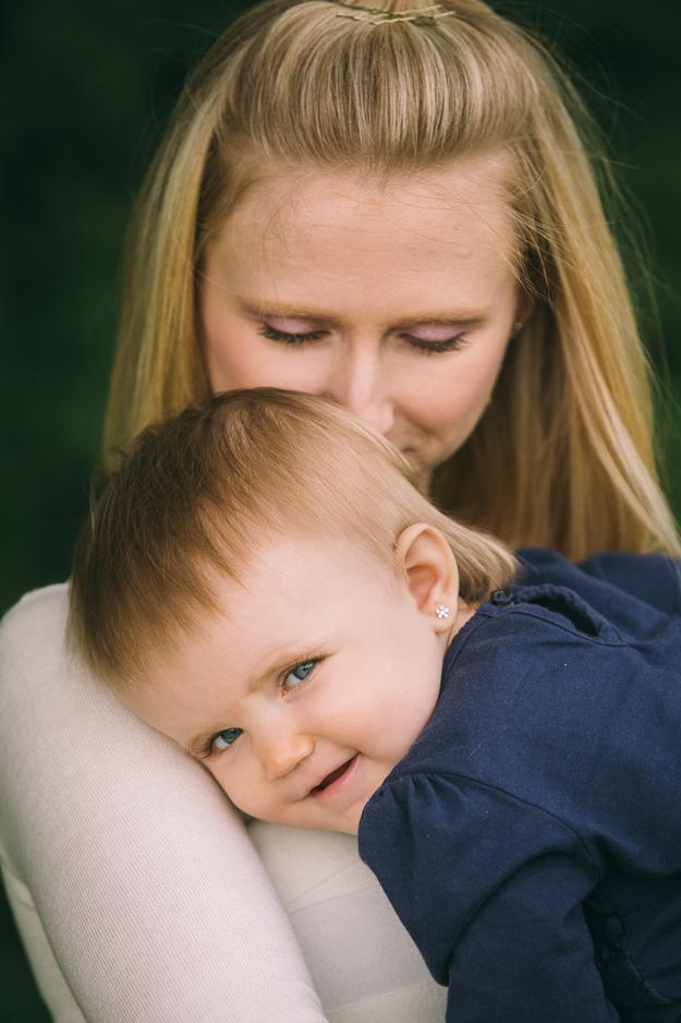 Mutter mit Kind fotografiert von ChrisP Photography - Fotograf in Bamberg