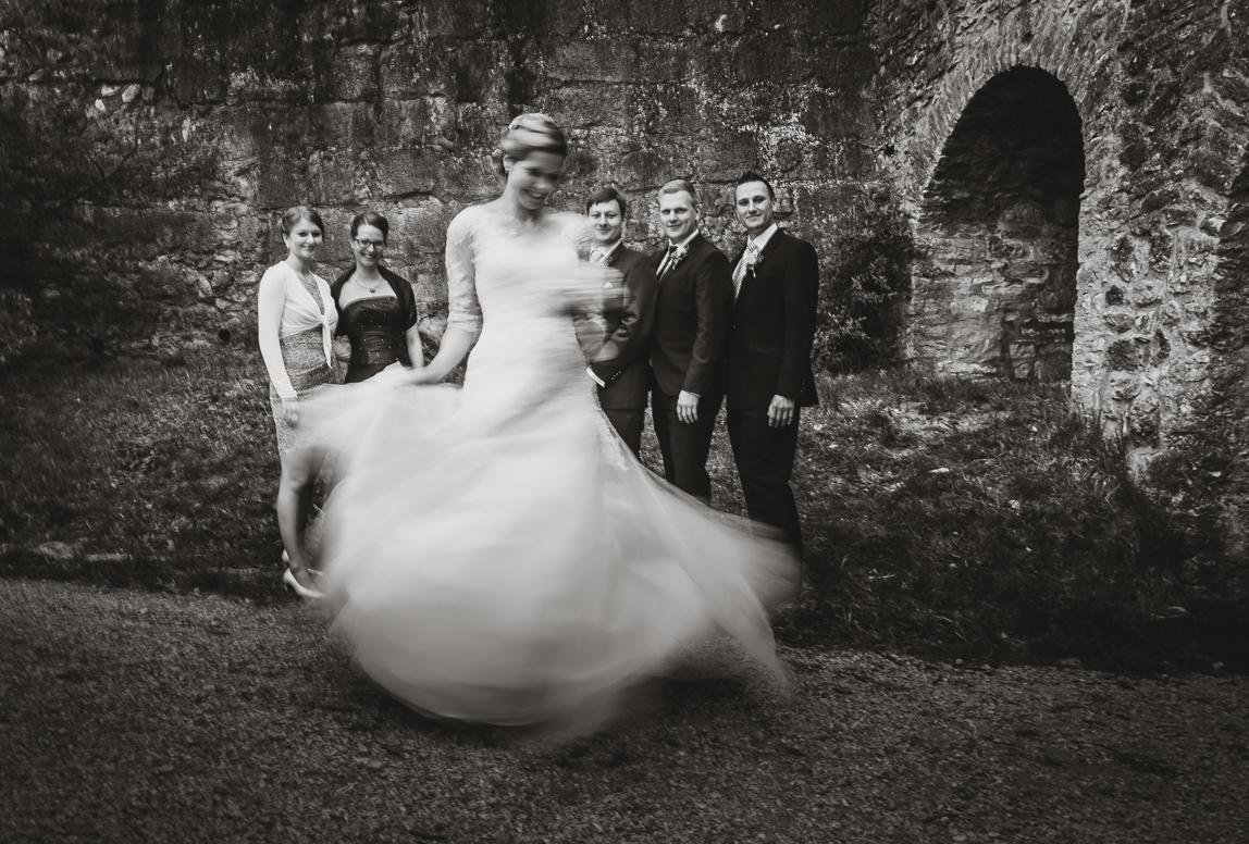 Hochzeitsfotograf aus Nürnberg, Würzburg und Bamberg - Gruppenfoto auf Burg Rabenstein
