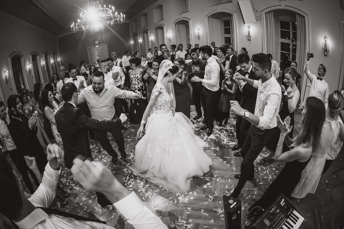 Hochzeitsfotograf bei der Party