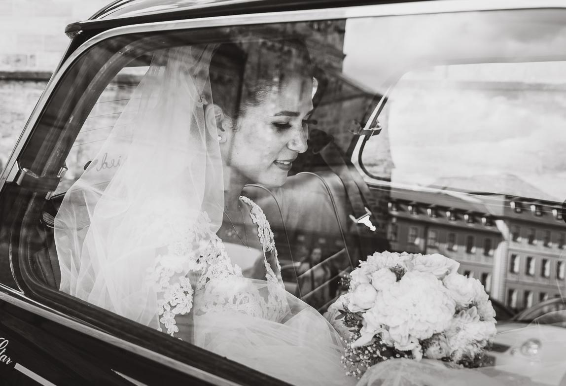 Emotionale Hochzeitsfotografie in Schwarzweiss